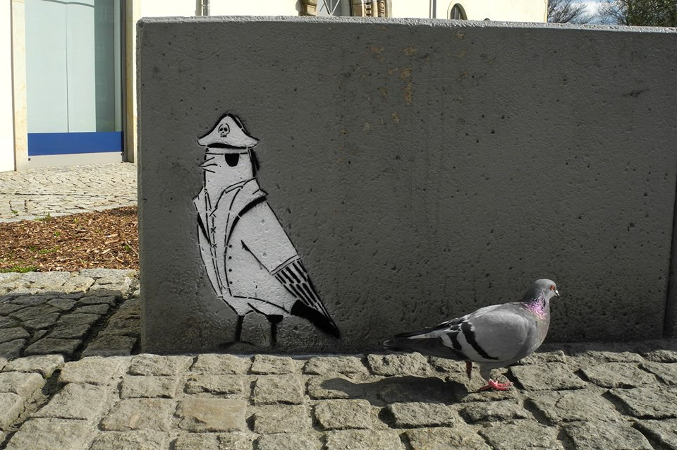 By Loup Street Art - Pigeon