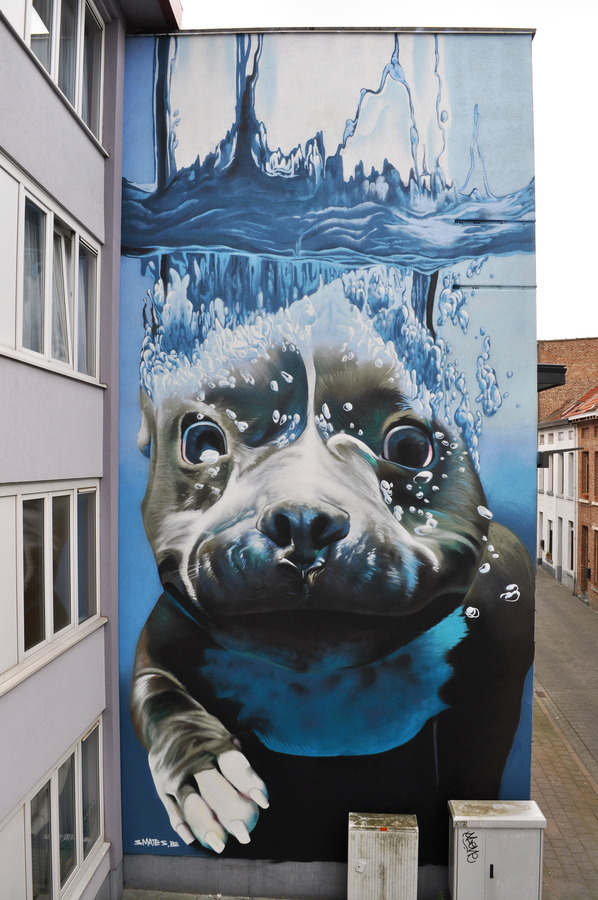 ~ By Smates ~ Belgium, freehand spraycan - from globalstreetart.com