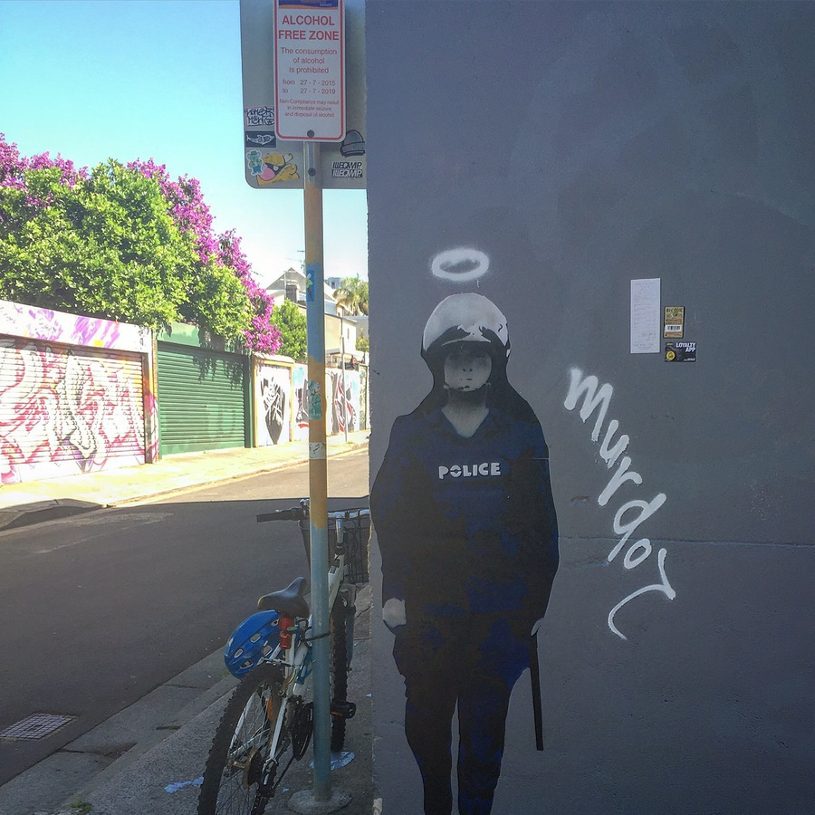 Murdoc_street_art