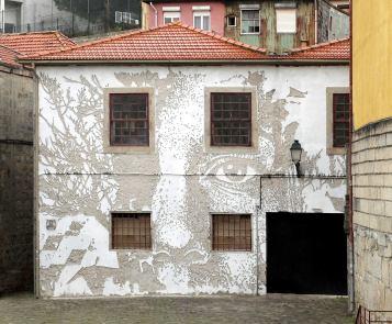 ~ By Vhils ~ Porto, Portugal - Photo: streetartutopia.com