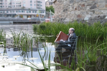 ~ By Isaac Cordal ~ Sweden - Photo: cementeclipses.com